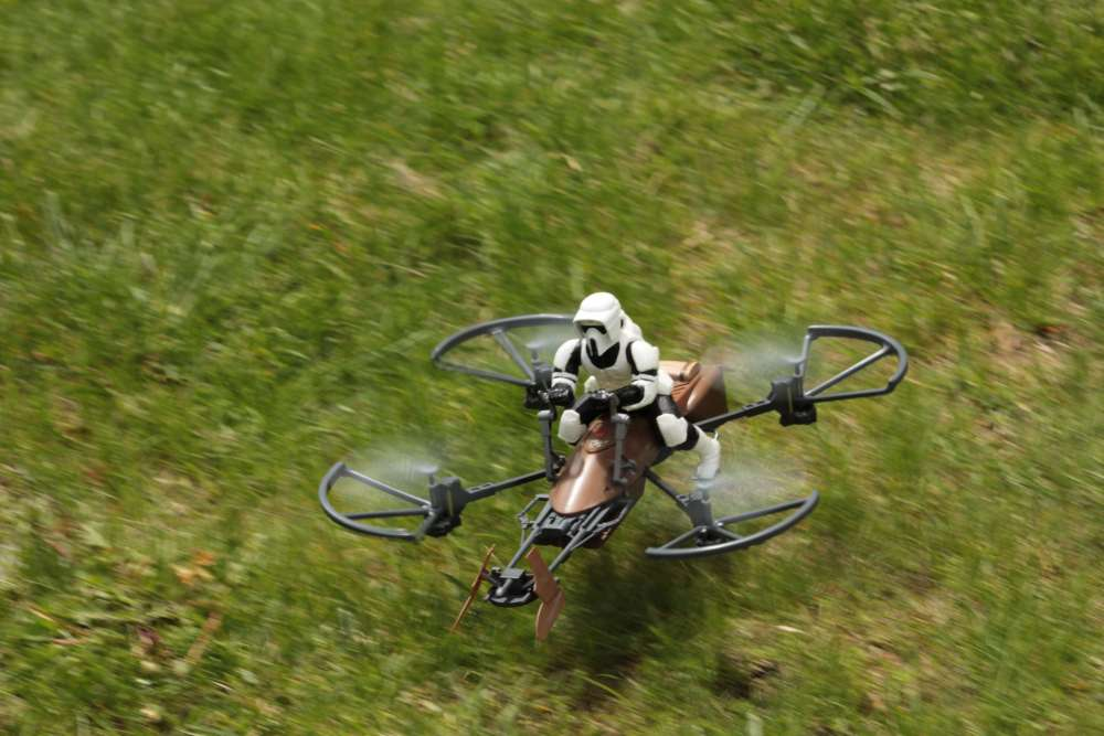 FLIGHT REVIEW FRIDAY: Air Hogs Star Wars Imperial Aratech ...